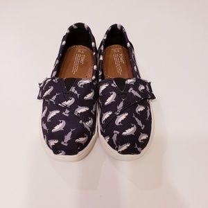 TOMS sharks edition